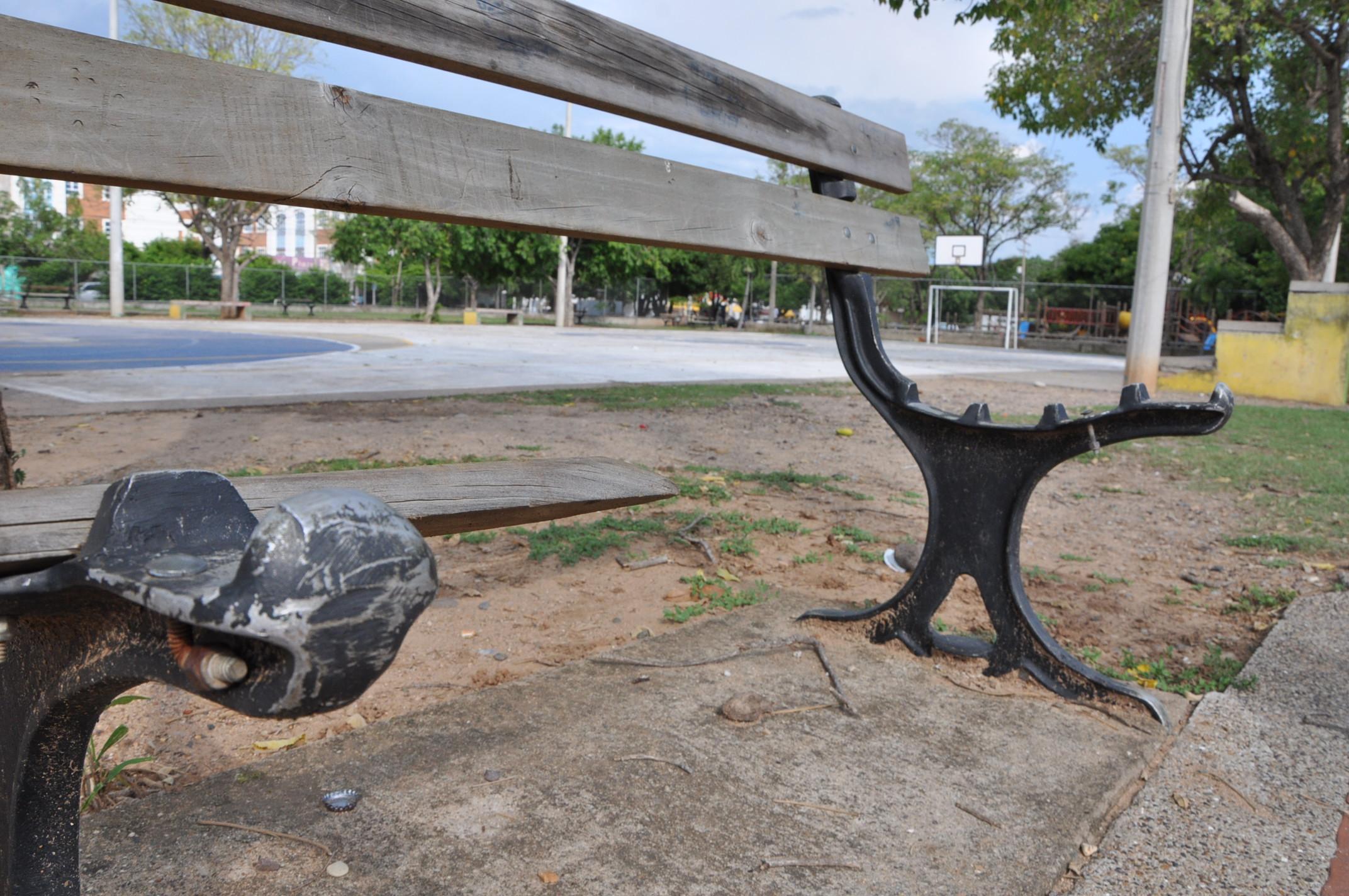 Amoblamiento urbano en el ojo del hurac n diario la calle for Amoblamiento urbano